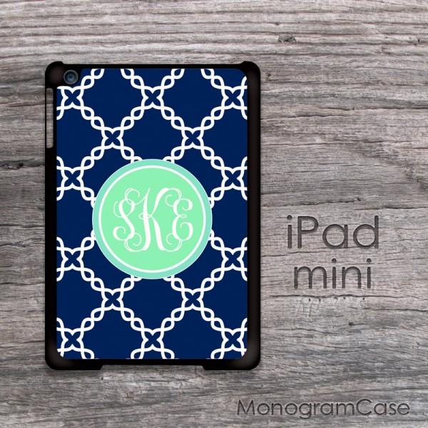 Navy blue quatrefoil pattern mint circle iPad mini case