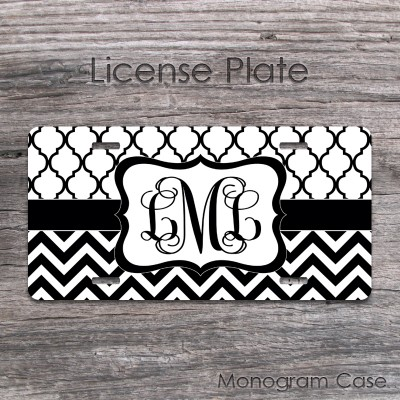 Black and white moroccan pattern zigzag monogrammed tag